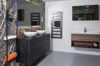 Opstelling met wastafels in badkamer showroom Broek op Langedijk